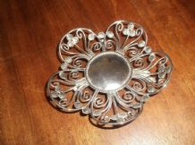 VINTAGE SILVER PLATED ORNATE DISH 3 CURVED FEET PETAL SHAPED HAMMERED BEADED